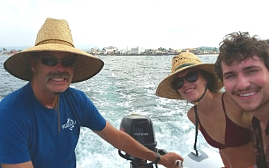 Our niece Ruby and her friend Hunter visited while we were in Barra de Navidad. Heading out to go snorkeling.
